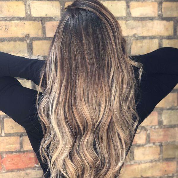 Farve og klip, mellemlangt hår